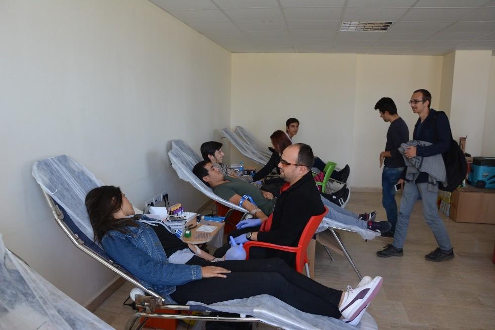 Korkuteli MYO'da kan bağışı