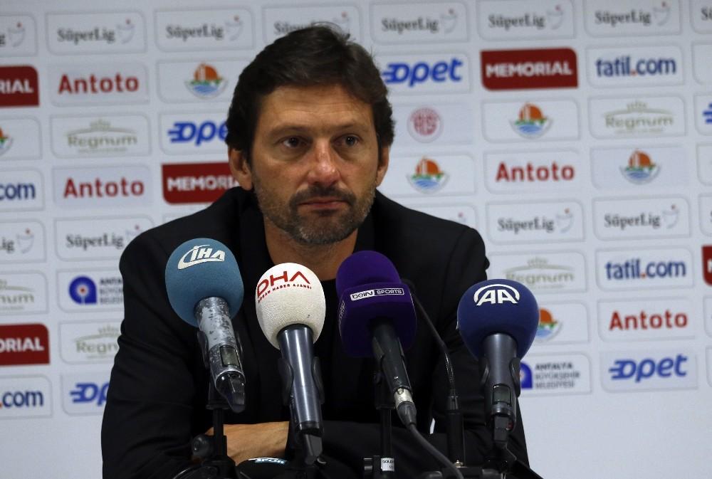 """Leonardo: """"Futbol adına her şeyi yaptık ama olmadı"""""""