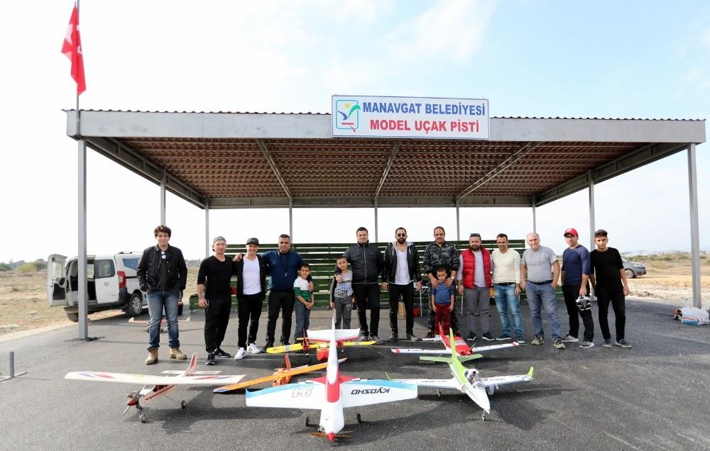 Manavgat Belediyesi'nden model uçak pisti
