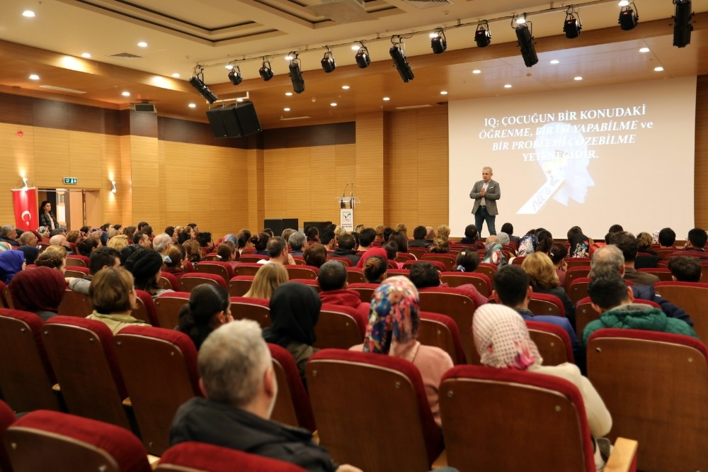 """Manavgat'ta """"Okul evde başlar"""" semineri"""