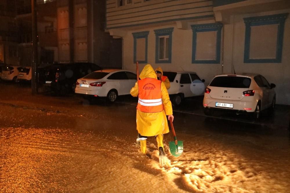 Manavgat'ta şiddetli yağış