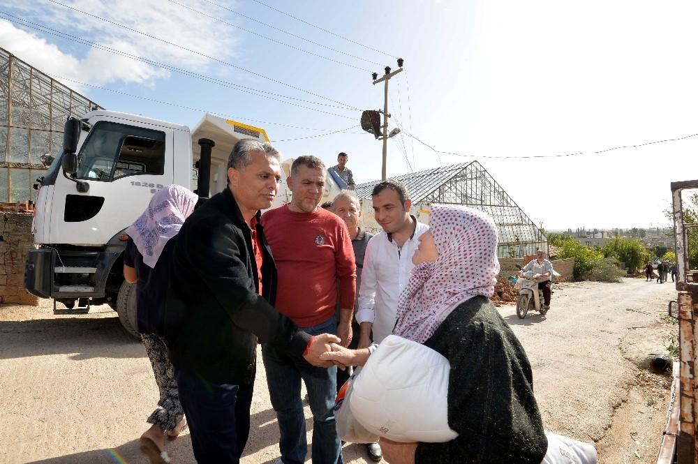 Muratpaşa Belediyesinden felaketten etkilenenlere yardım