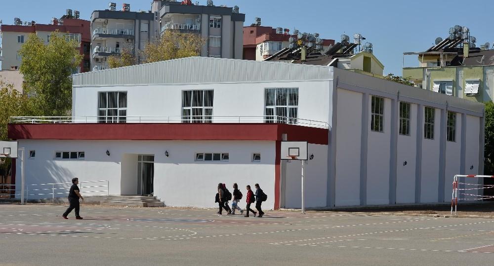 Muratpaşa'dan 5. spor salonu
