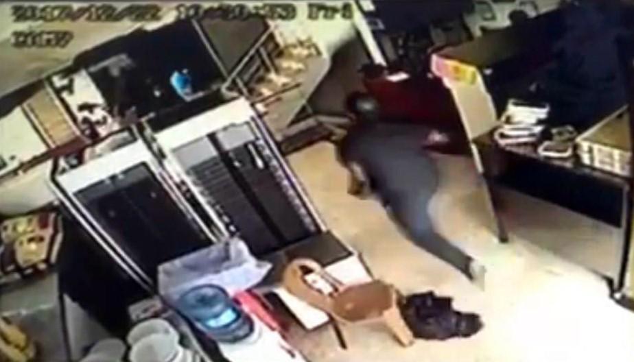 3 kişiyi öldürdüğü pompalı tüfeği 475 TL karşılığında kapısına getirtmiş