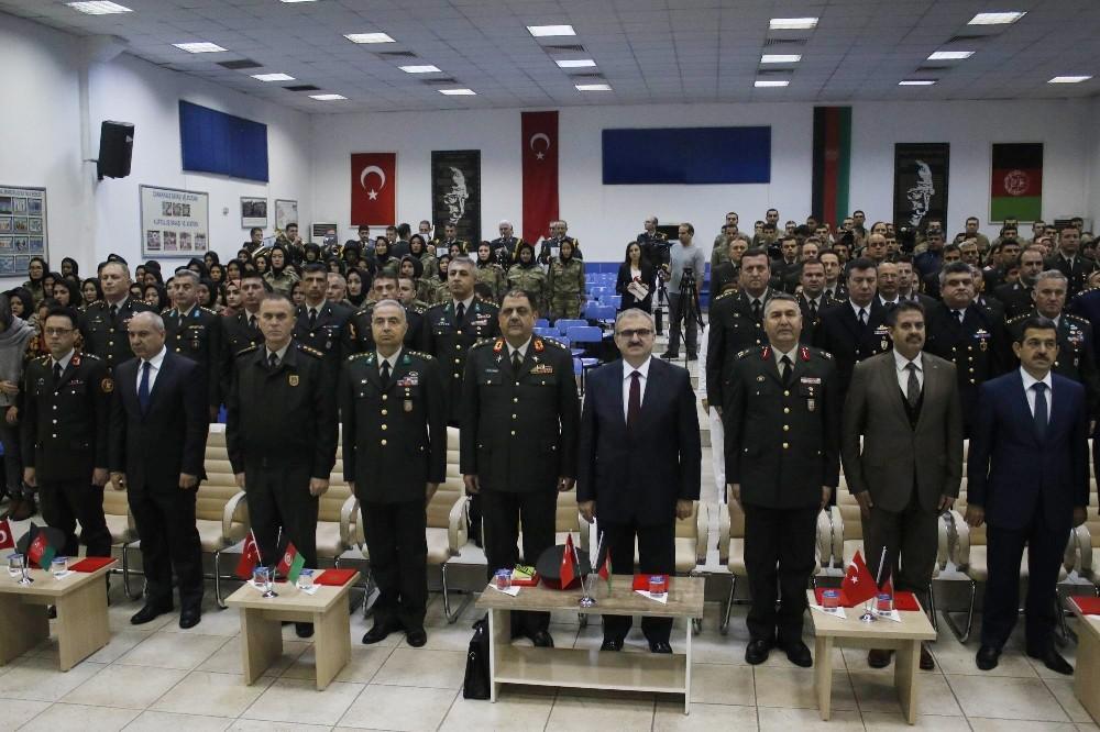 75 Afgan kadın subay Antalya'da eğitimlerini tamamladı