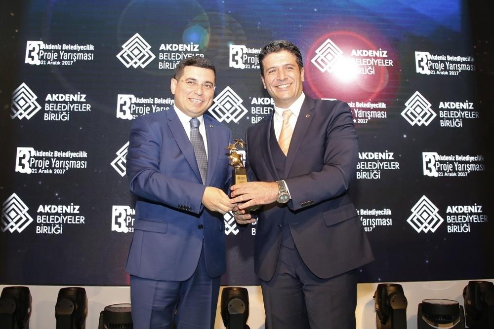 AKBB'den Döşemealtı Belediyesi'ne 3 ödül