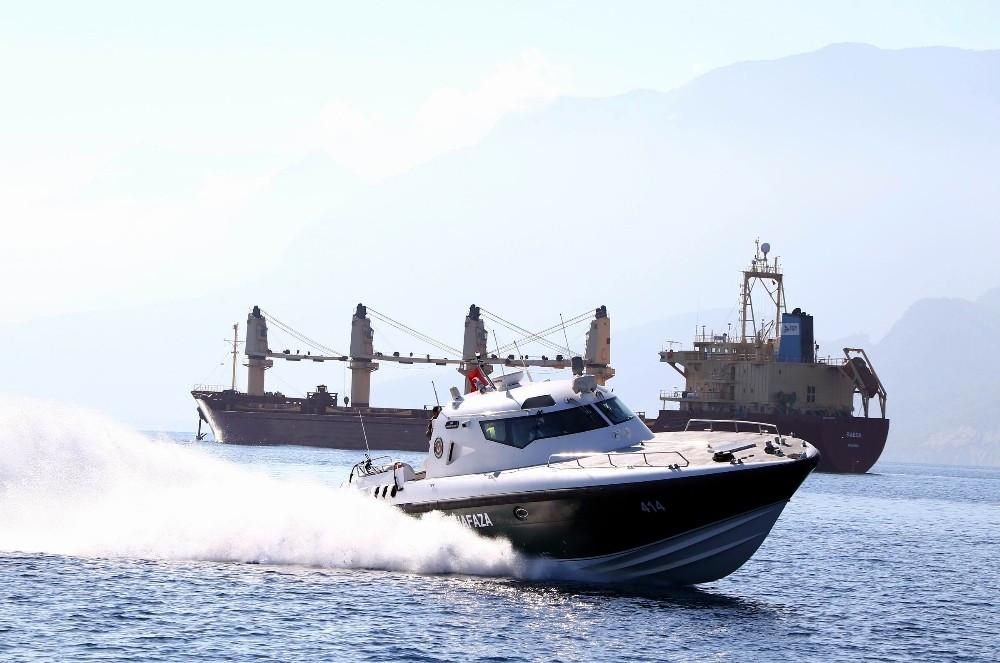 """Akdeniz'de kaçakçıların korkulu rüyası olan ekip kapılarını İHA""""ya açtı"""