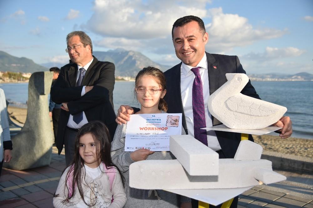 Alanya Taş Heykel Sempozyumda çocuklar için 10 sokak heykeli yapıldı