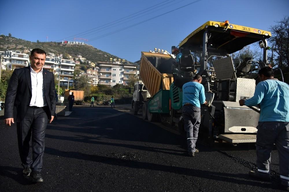 Alanya'da sıcak asfalt çalışması