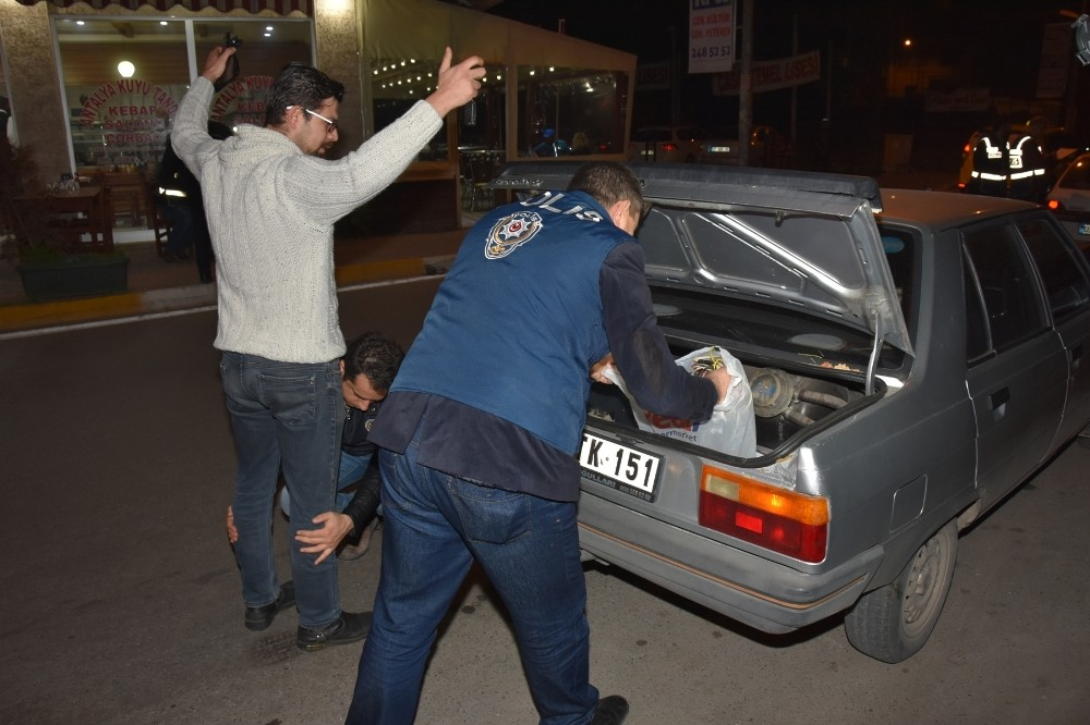 Antalya'da 1600 polisle güven -huzur uygulaması