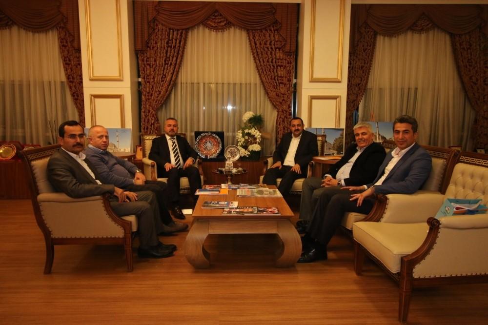 Antalya'da AK Partili ilçe belediyelerine ziyaret