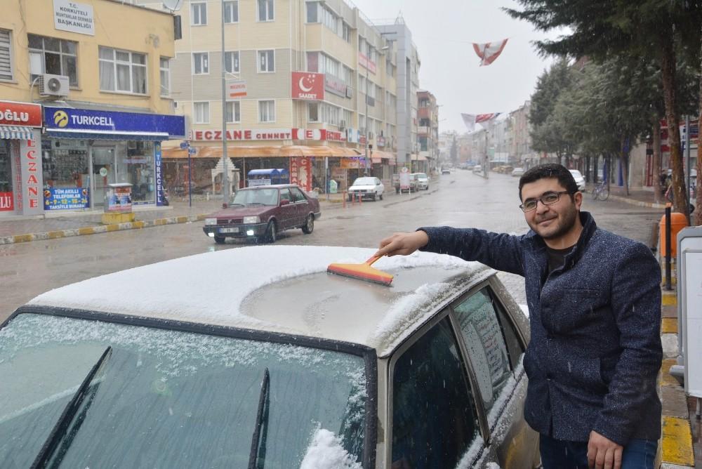 Antalya'nın ilk karı Korkuteli'ye düştü