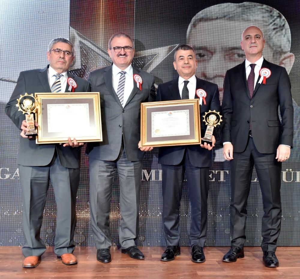 AOSB başarılı sanayicileri ödüllendirdi