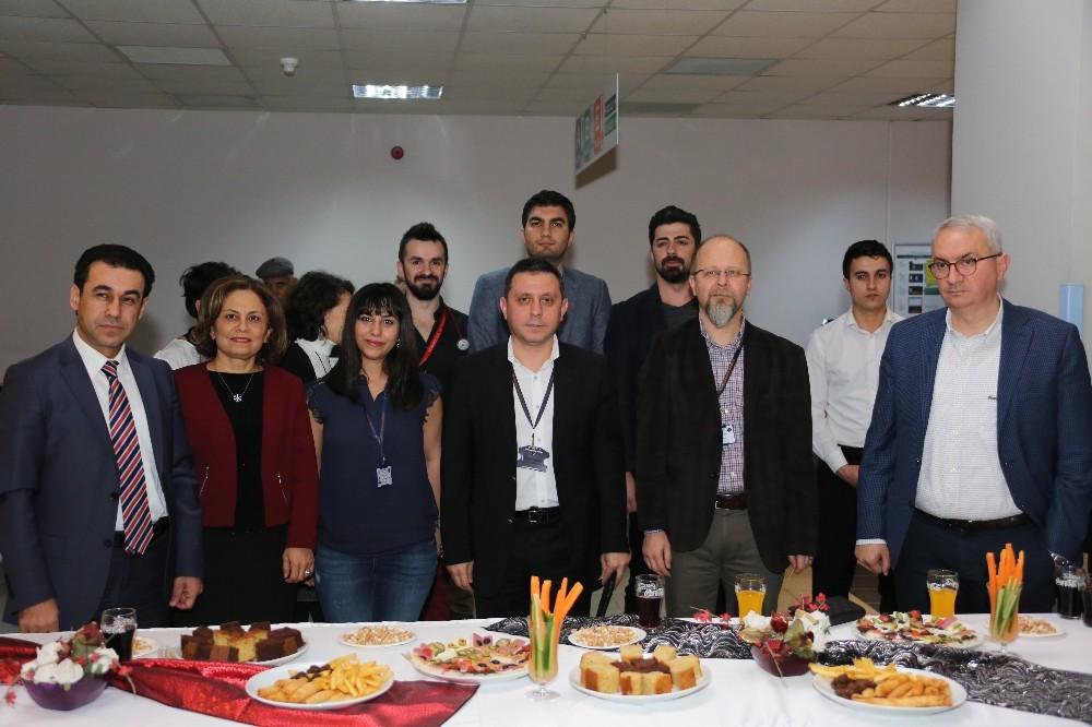 AÜ Hastanesi'nde yeni yıl kutlaması
