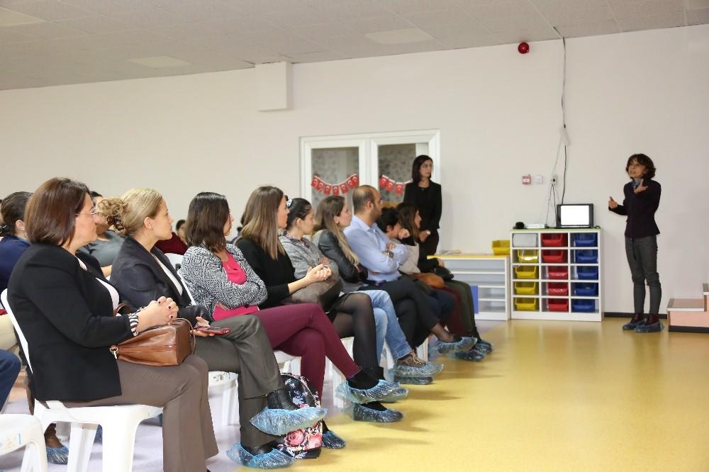 AÜ'de 'Çocuk Cinsel İstismarının Önlenmesinde Aile Eğitimi' semineri