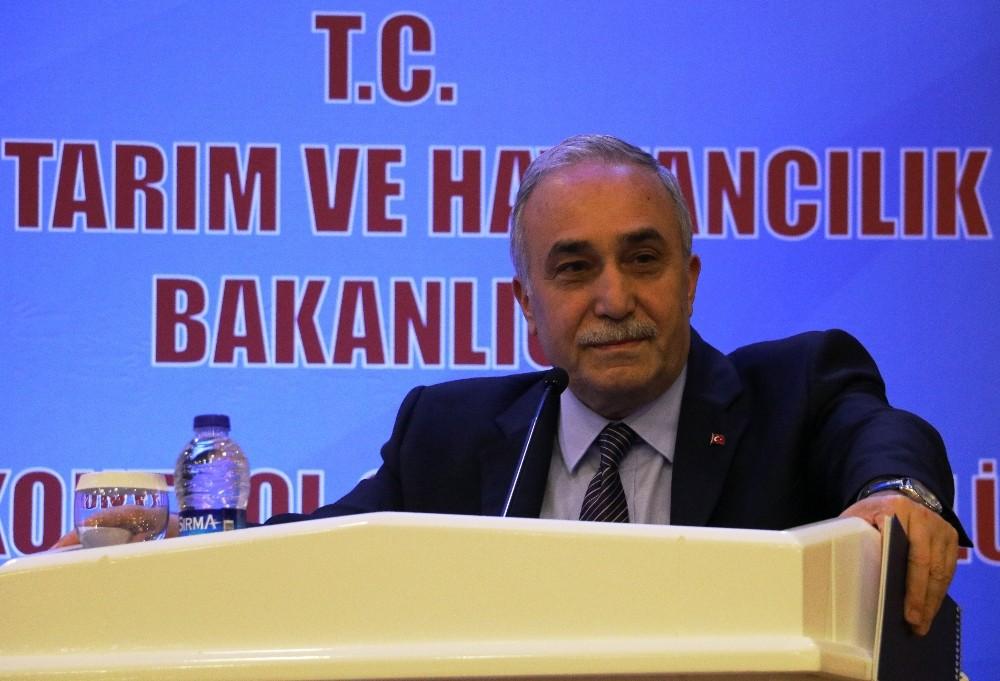 Bakan, basına kapalı toplantıyı açıp açıkladı