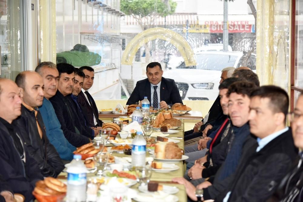 Başkan Yücel, oba esnafıyla kahvaltıda buluştu
