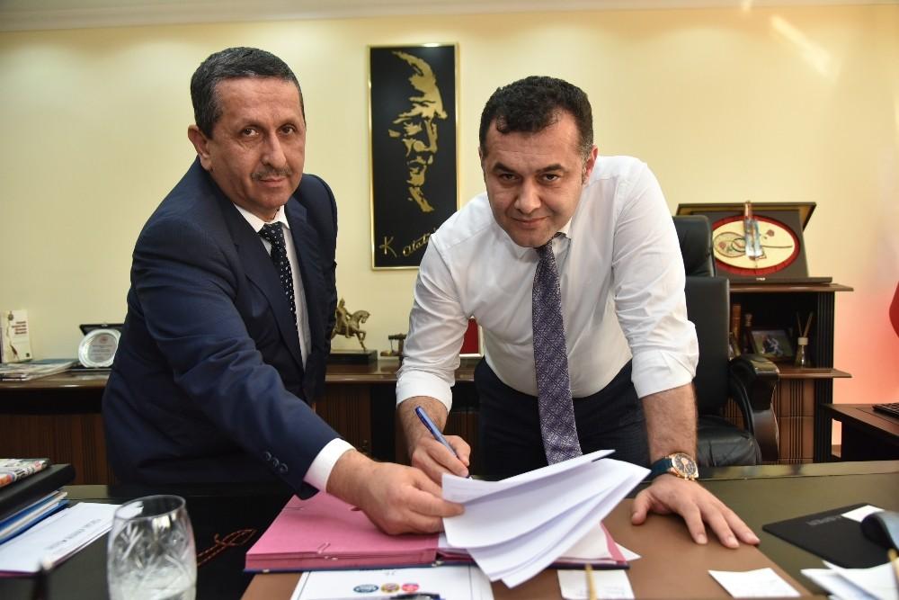 Başkan Yücel, Sosyal Denge Tazminatı Sözleşmesi'ni imzaladı