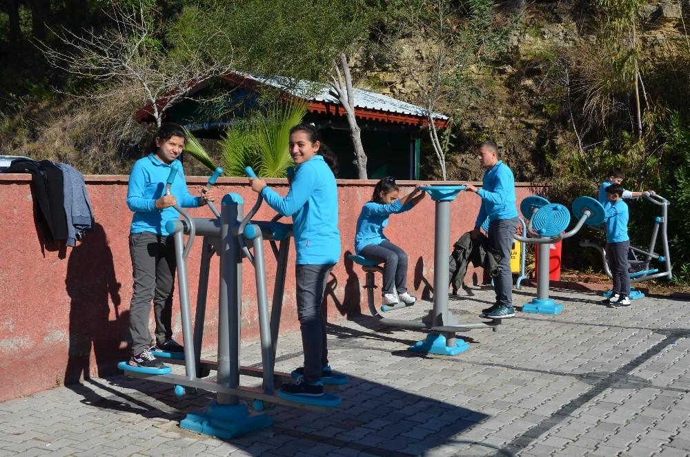 Büyükşehir'den sağlıklı yaşam için spor aletleri