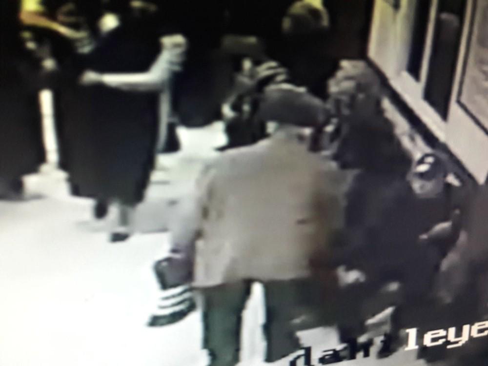 Hastanede 17 bin TL'lik vurgun yapan maskeli yankesici suçüstü yakalandı
