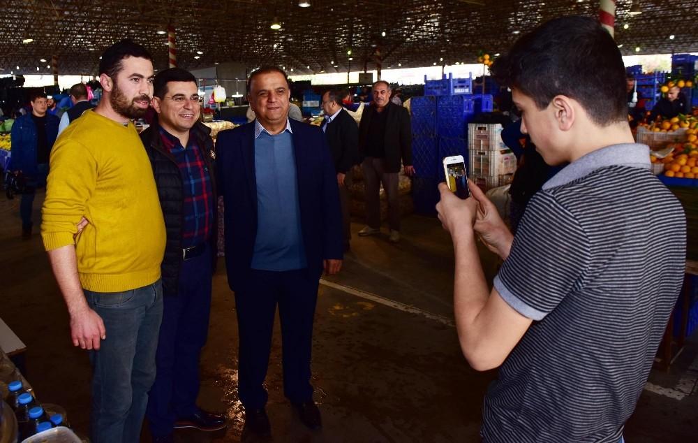 Kepez Belediye Başkanı Tütüncü, pazar esnafıyla buluştu
