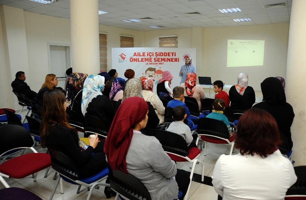 Kepez'de aile içi şiddet anlatıldı