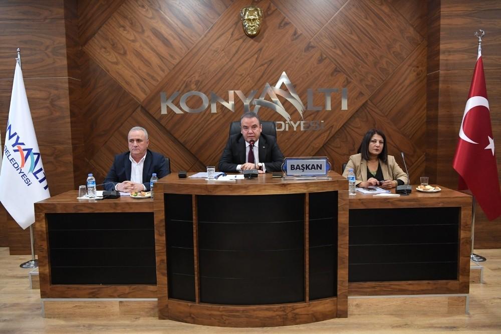 Konyaaltı'nda Fuar Merkezine ve 37 parka isim verildi