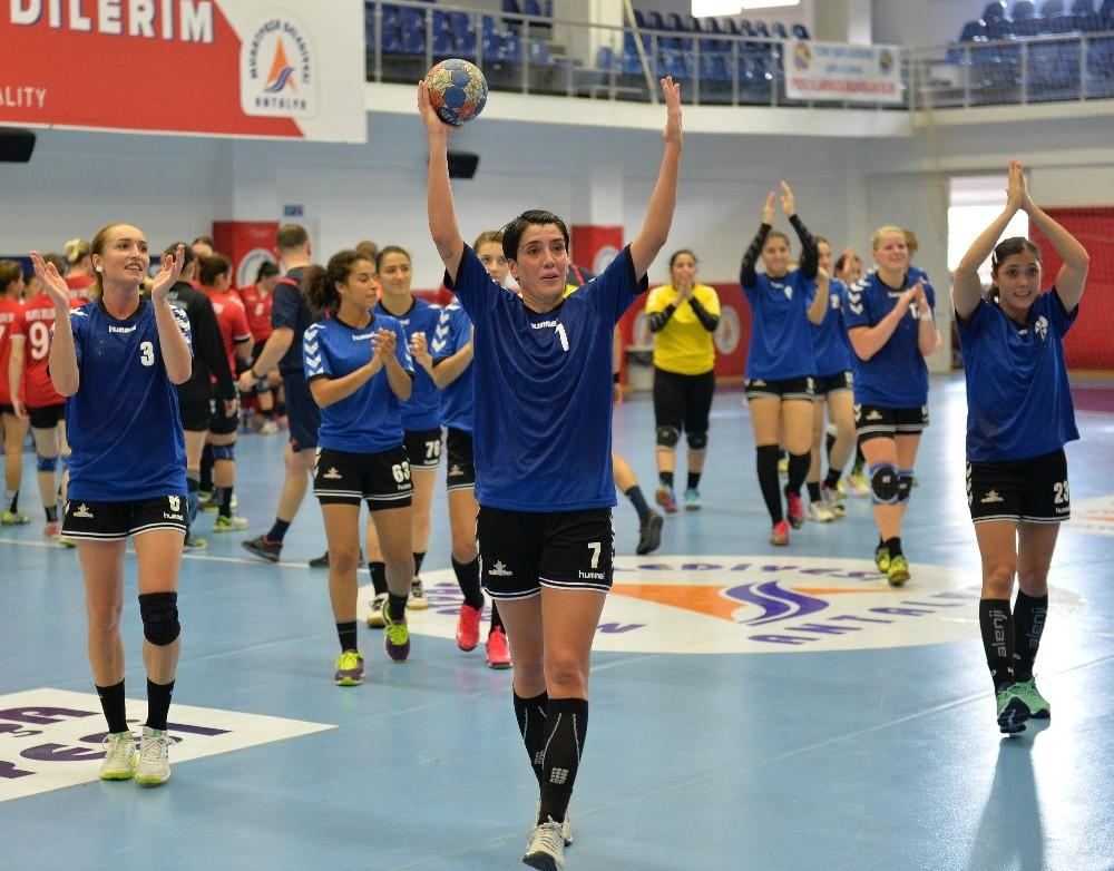 Muratpaşa 411 golle ligin en skorer takımı oldu
