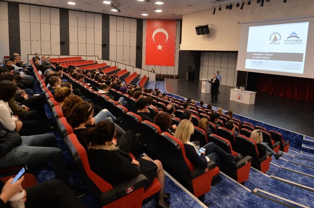 Muratpaşa personeline iletişim ve liderlik eğitimi