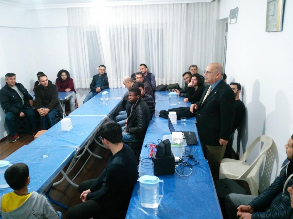 """Öğrencilere """"İslamiyet Açısından Madde ve Enerji"""" konferansı"""