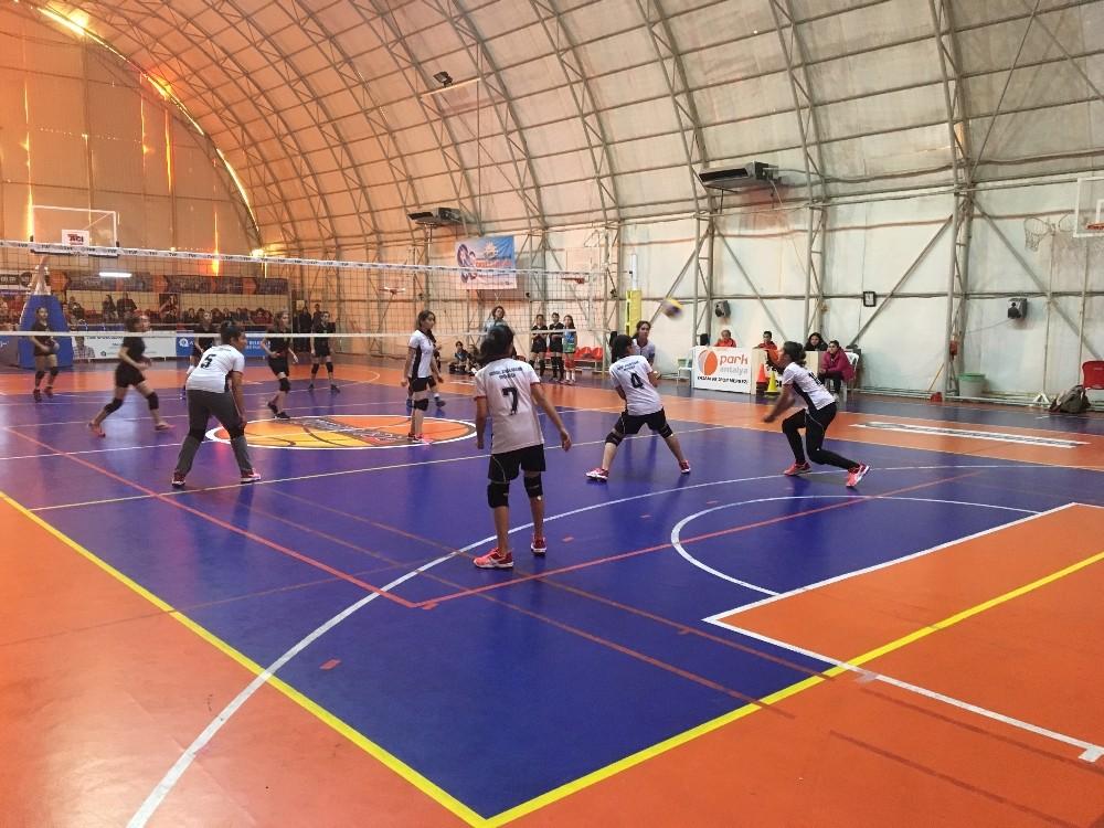 Okullar Ligi'nde maçlar başladı