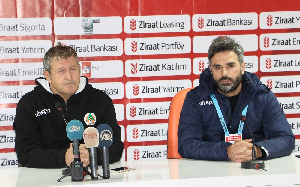 """Safet Susic: """"Maalesef birinci dakikada yediğimiz gol bütün planları değiştirdi"""""""