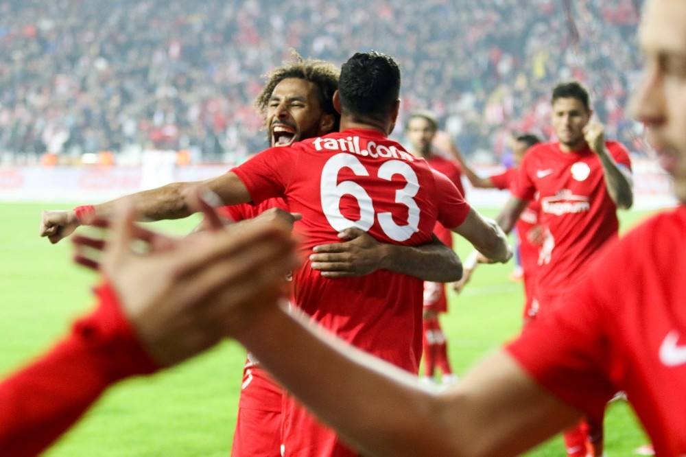 Süper Lig: Antalyaspor: 3 – Aytemiz Alanyaspor: 1 (Maç sonucu)