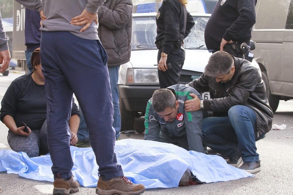 TFF temsilcisi kazada ölen babasının başında gözyaşı döktü