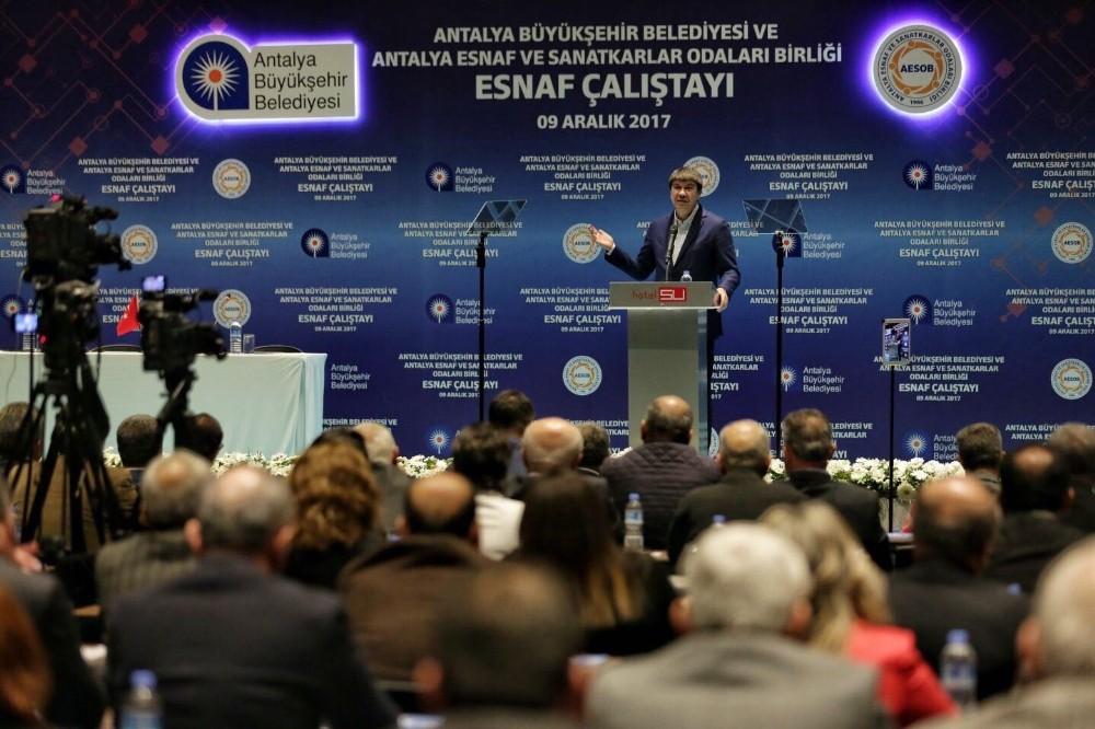 """Türel: """"Antalya, dünyanın en ileri şehirleriyle yarışıyor"""""""