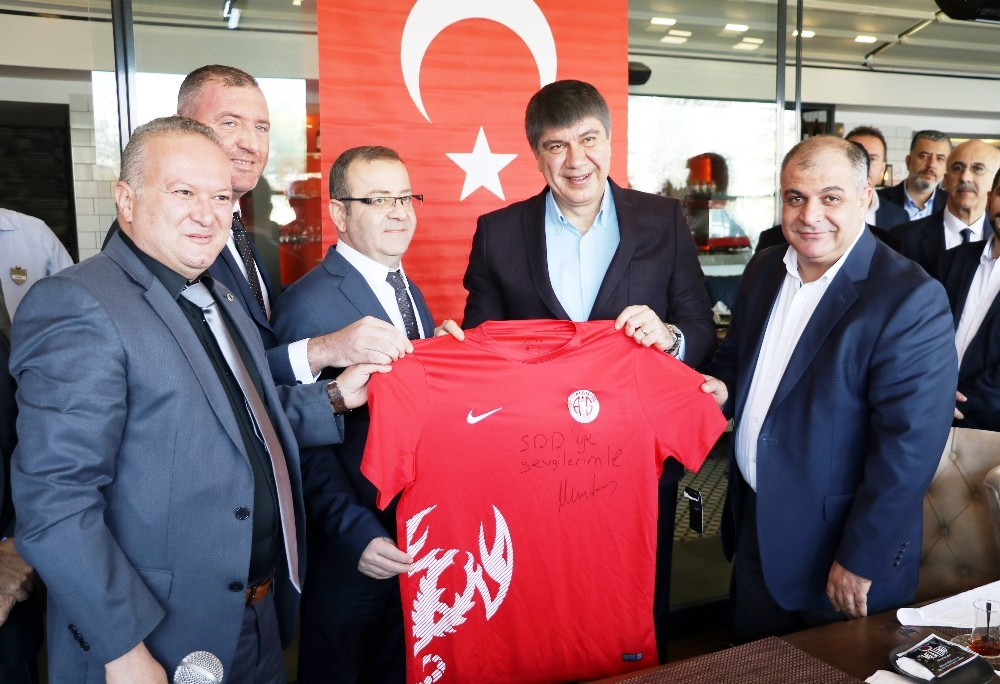 Türel'den Antalyaspor Başkanı Öztürk'e flaş çağrı