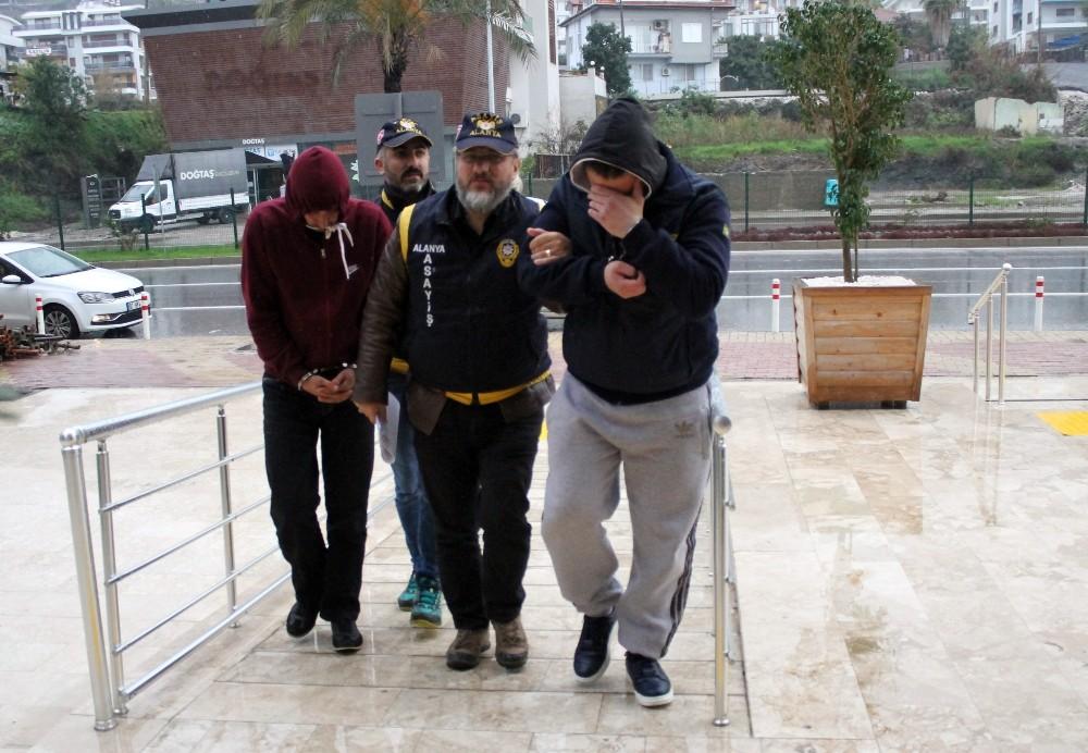 Alanya'da senenin son hırsızları tutuklandı