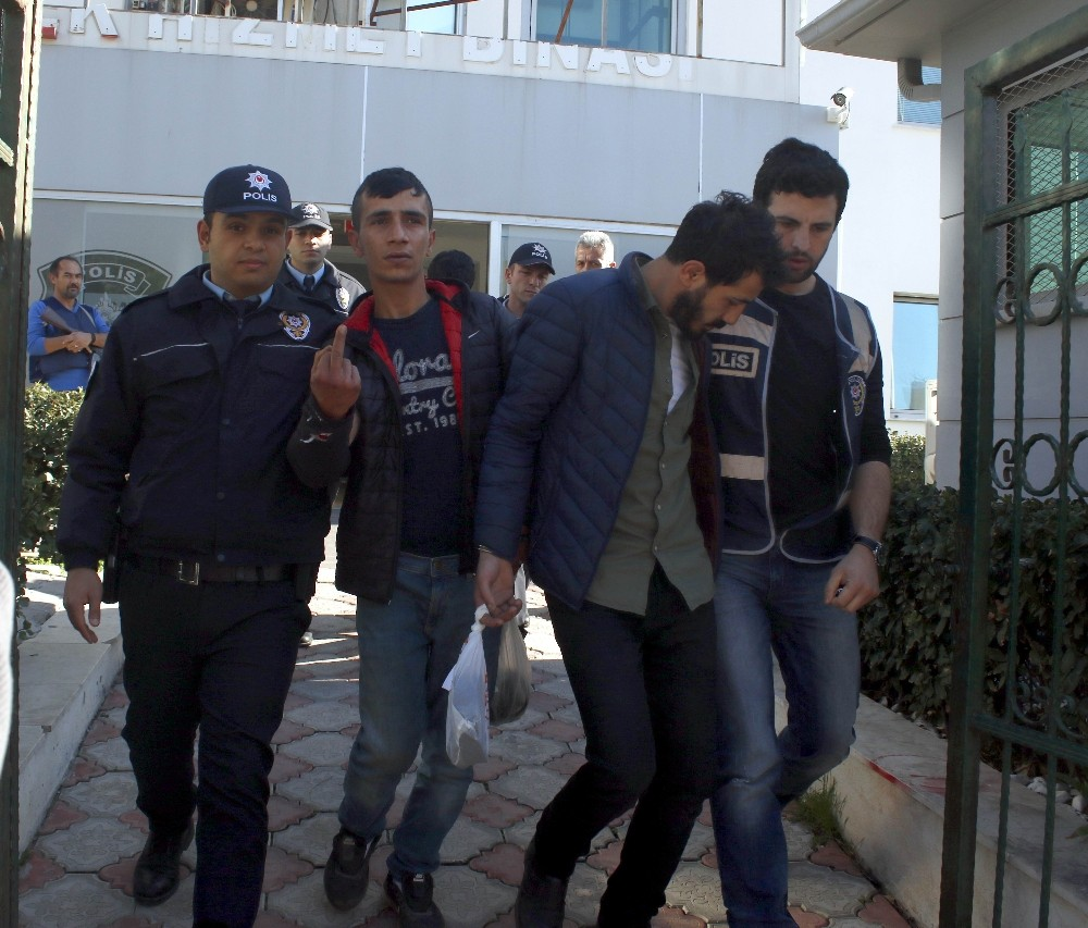 Antalya'da 3 gaspçı yakalandı