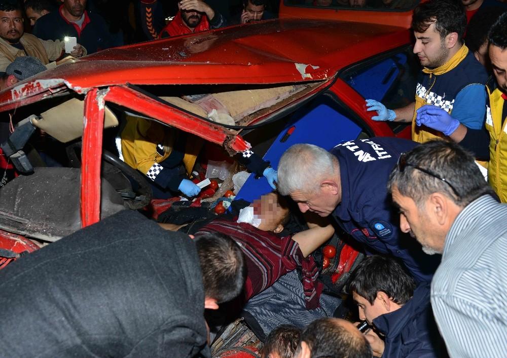 Antalya'da feci kaza: 1 ölü, 2'si ağır 6 yaralı