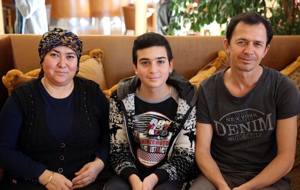 Antalya'da okul birincileri aileleriyle birlikte 5 yıldızlı tatilde