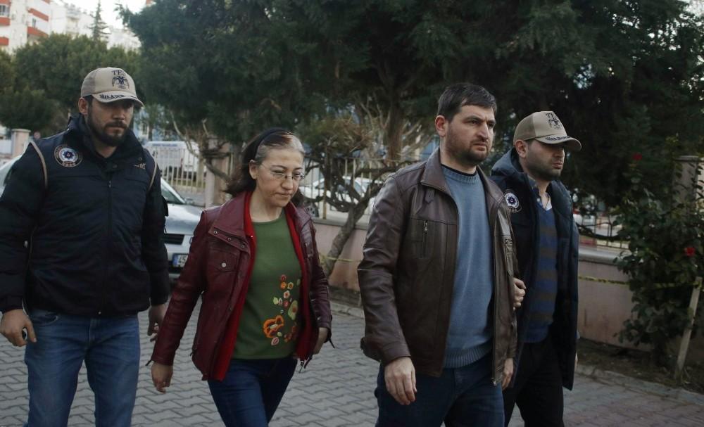 Antalya'da vitrin arkasında yakalanan FETÖ firarisi eski savcı tutuklandı