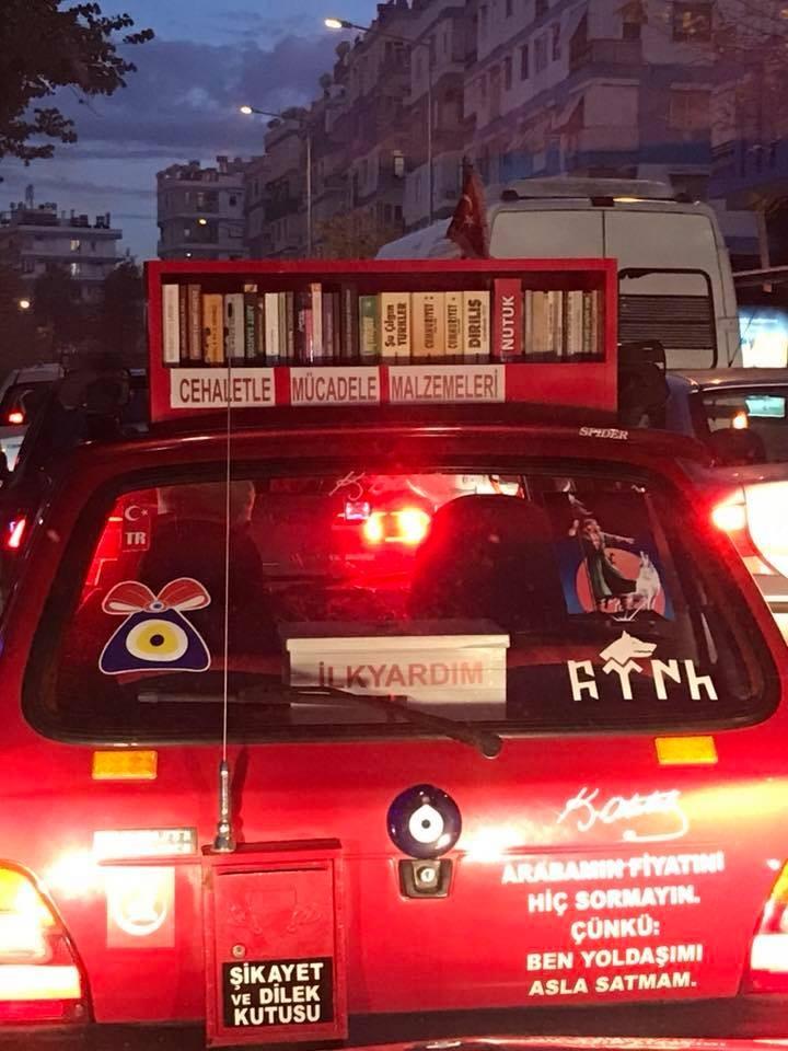 Antalyalı sürücüden dikkat çeken 'cehalet ile mücadele' kampanyası