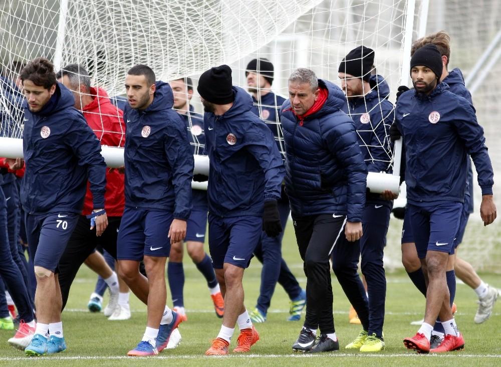 Antalyaspor, Akhisar hazırlıklarını sürdürdü