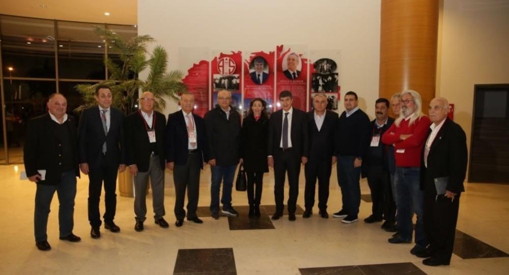 Antalyaspor'un başkan adayı Bulut'tan Hamzaoğlu'na destek