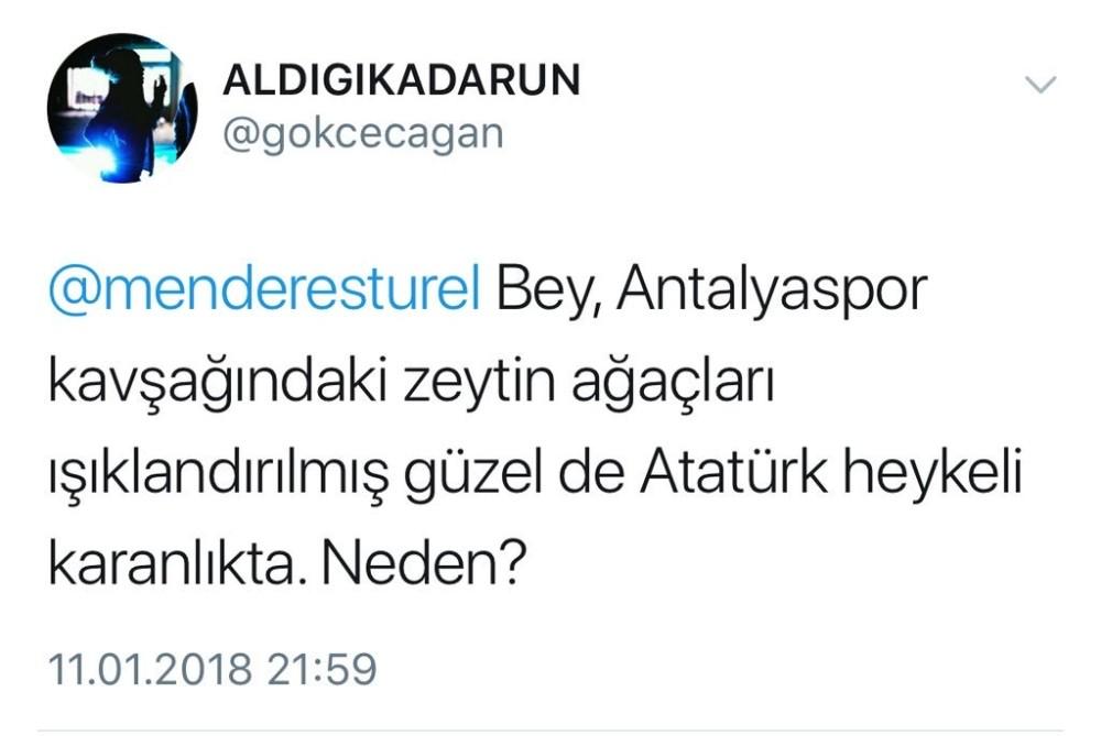 Atatürk Heykeli ışıklandırıldı