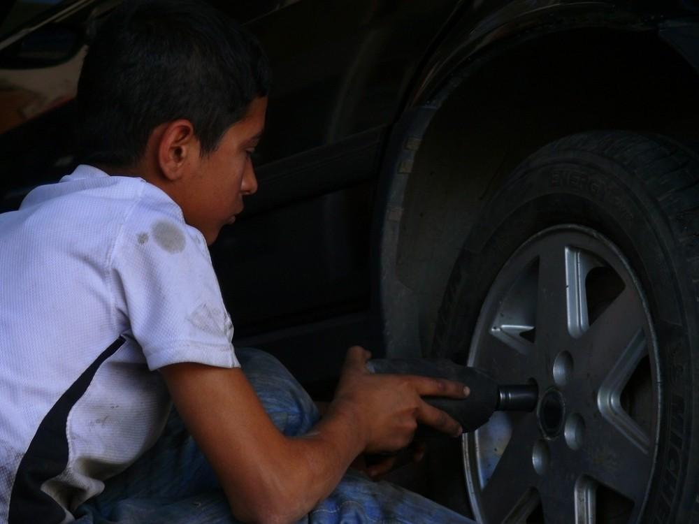 """AÜ """"Çocuk İşçiliği ile Mücadele Eylem Planı"""" hazırlıyor"""