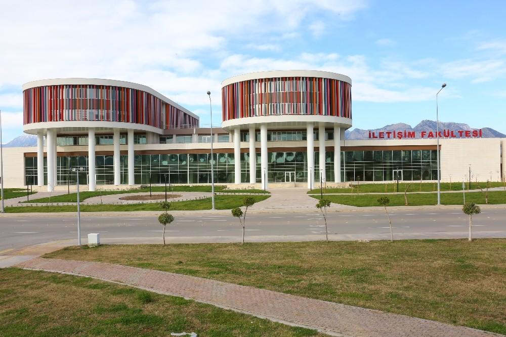 AÜ İletişim Fakültesi eğitimleri yeni binada