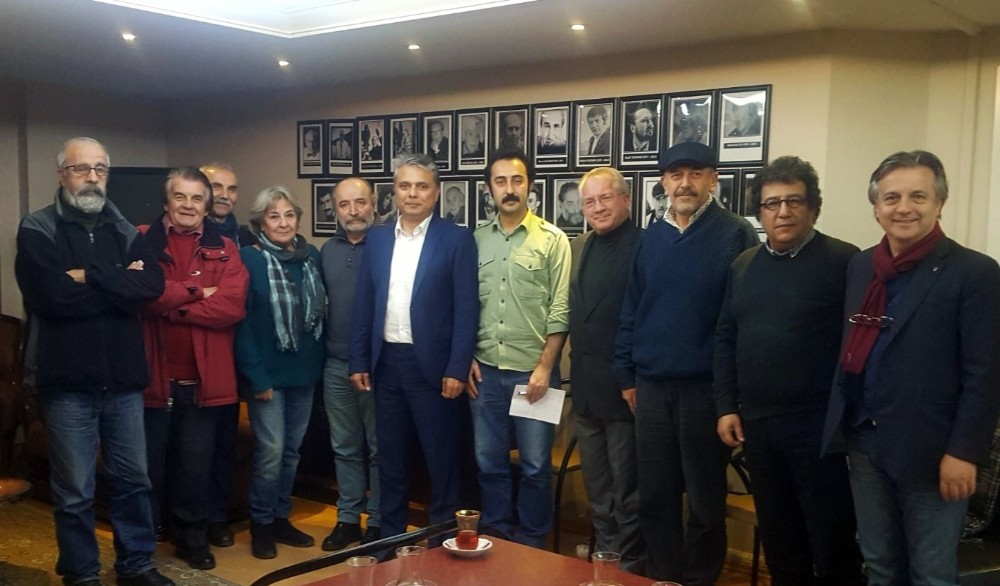 Başkan Uysal sinemacılarla buluştu