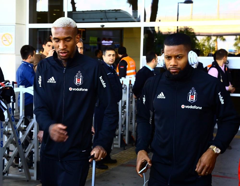 Beşiktaş, Antalya'ya 3 eksikle geldi