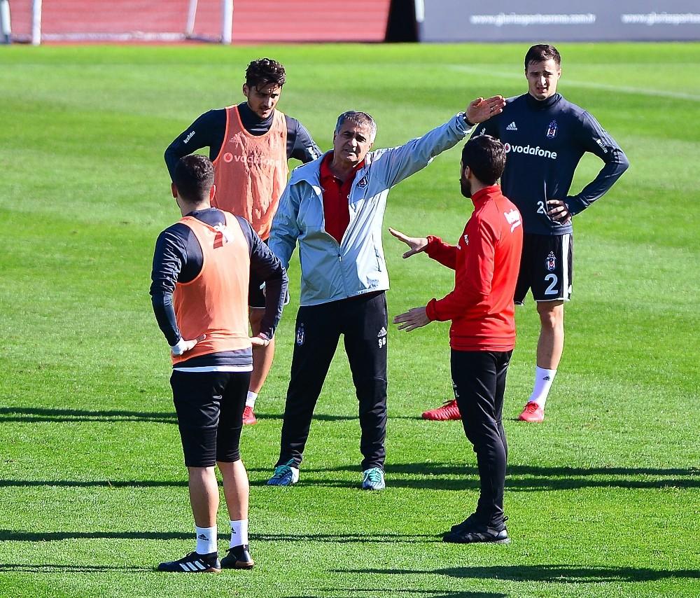 Beşiktaş iki eksikle çalıştı